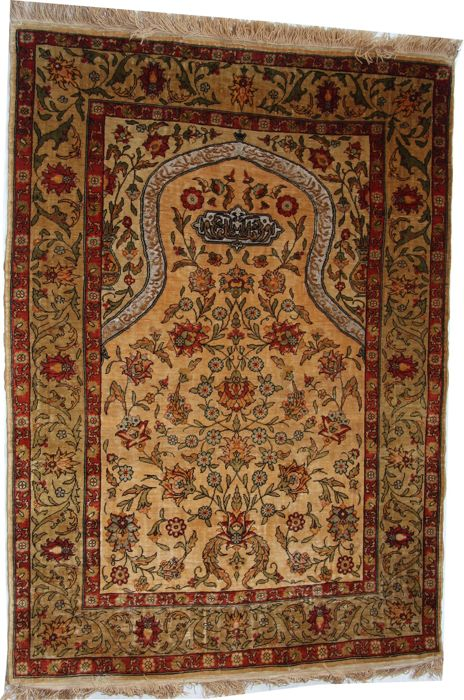 Handmade Turkish Silk and gilt Hereke prayer rug size 3'x2'