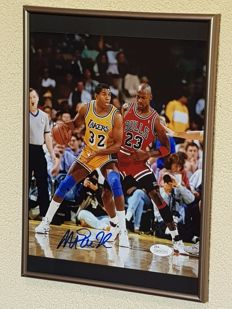 Magic Johnson en Michael Jordan - Basketbal legendes Dream Team '92 - ingelijste foto origineel gesigneerd door Magic +JSA COA.