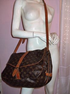 Louis Vuitton – Shoulder bag – Saumur 35 model