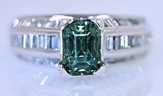 Bright Green Tourmaline with Diamonds ring - No reserve price!