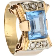 18 kt - Retro yellow gold ring set with a blue topaz and 6 rose cut diamonds of approx. 0.12 ct - Ring size: 16.75 mm