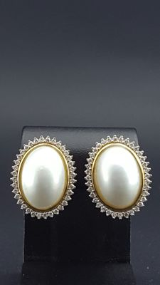 Gold Earrings with Mabe Pearls and diamonds 0.84 ct