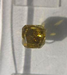 1.01 ct Radiant cut diamond Fancy Deep Yellow Brown I1