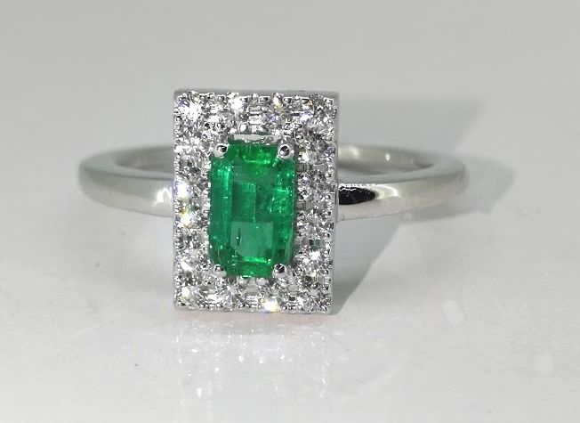 "Diamond ring with natural  ""Deep Bluish Green Emerald "" 0.55ct & 16 diamonds  maat 56"