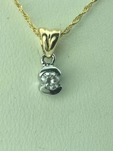 14 K yellow Gold Diamond Pendant with Chain