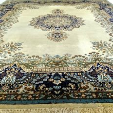 "Kirman - 368 x 276 cm - ""Eye-catcher - Oversized Persian beauty in nice condition"" - With certificate"