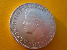 Spain – Marvellous one peso coin – Minted in Manila – Alfonso XIII, year 1897