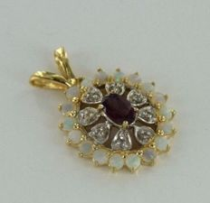 Pendant in 14 ct yellow gold with 8 genuine diamonds of 0.04 ct as well as real amethysts and opals.