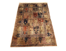Magnificent silk Oriental rug! Kayseri Istanbul – Turkey 180 x 123 cm, from 1960!!!