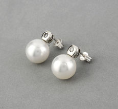 Oro blanco de 18kt - Pendientes con chaton - Diamantes talla brillante - Perlas south sea pearls (australiana) - Alto del pendiente 15,55 mm