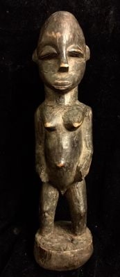Congo. Hemba, Luba Shankadi, sculpture of a pregnant woman, standing, nude; wood carving, height: 32 cm