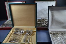 Different manufacturers - 54 piece silver plated cutlery in 3 cases, ca. 1960