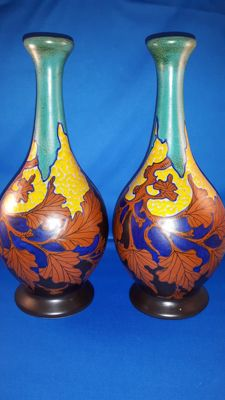 Plateelbakkerij Zuid-Holland - Set of two identical vases decor Tiny