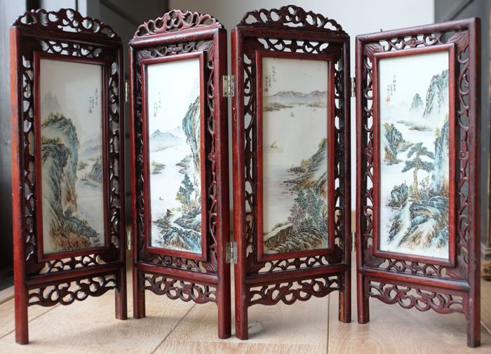 Folding screen with porcelain tiles - China - late 20th century