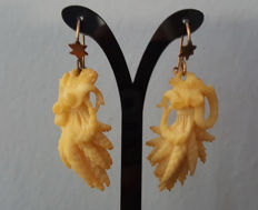 Gold earrings with ivory – circa 1870