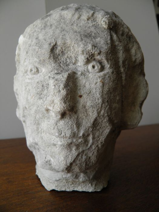 Large head in limestone from the Greek period - height 160 mm