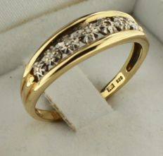 14K Gold ring inlaid with zirconia - Ring size: 17.75