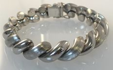 835/1000 Silver bracelet with a matted and smooth finish; Length | 19 cm Width | approx. 12 mm.