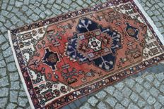 INTERESTING HAMADAN CARPET IRAN HAND KNOTTED 134/79 CM