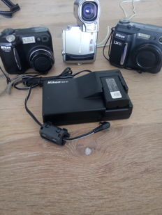 Lot 3 NIKON digital coolpix S4 coolpix 4300 coolpix E880