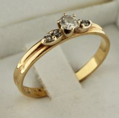 14K Gold ring inlaid with zirconia - Ring size: 18.25