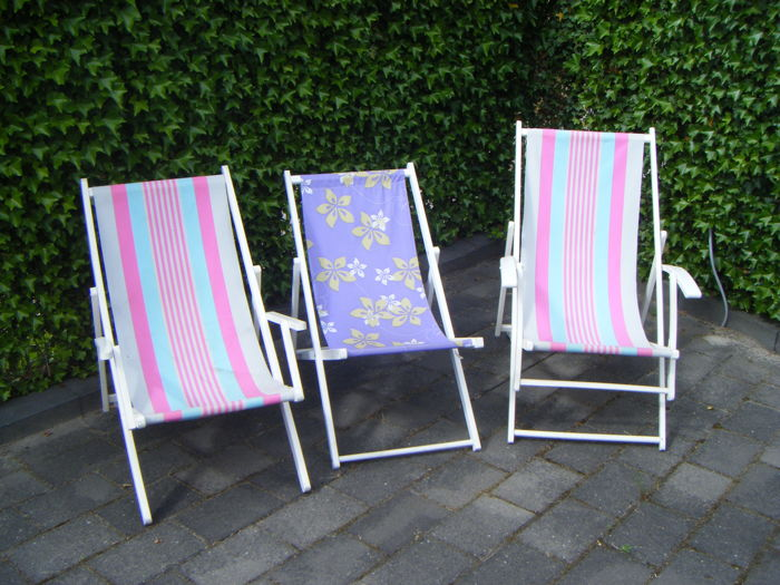Manufacturer unknown – 3 vintage folding beach chairs - Catawiki