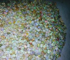 Lot of Natural Welo Opals - 75 ct (450)