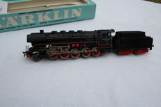 Märklin H0 - 3027 - Steam locomotive pulled tender BR44 of the DB, with telex coupling & rounded lamp brackets (54279)