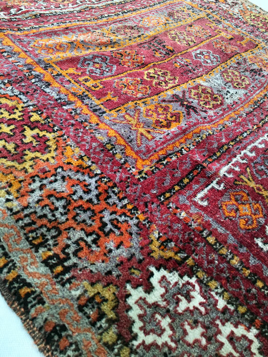 Vintage Anatolian hand-made carpet: Yuruk – Turkey 212 x 127 cm circa 1930