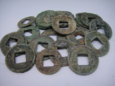 China, Han Dynasty - Lot of 5 Zhu Cash (118 B.C.) (18 coins)