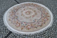 CASHMERE AUBUSSON RUG, HAND-KNOTTED, AUTHENTICITY CERTIFICATE, 220 CM DIAMETER