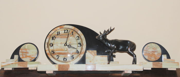 Large Art Deco clock garniture with statue of a deer