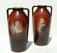 A pair of exclusive earthenware vases depicting Napoleon and Josephine - France - 1st half 20th century