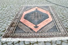 BEAUTIFUL HAND-KNOTTED CASHMERE BUCHARA RUG 158/96