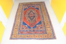 Magnificent Turkish rug – first half previous century .approx:170x110cm