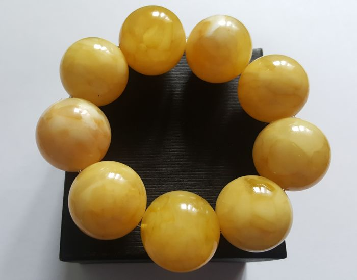 Baltic amber bracelet with large beads Eggyolk colour, weight: 76 grams