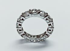 Beautiful Eternity White Gold Ring with Brilliant cut diamonds E-F color and VS clarity total 6.24 ct and 6.00 gram White Gold