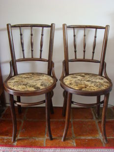 Two Thonet style chairs, early 20th century