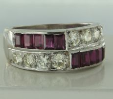 18 kt white gold ring with 10 baguette cut rubies 1.00 ct and 8 brillant cut diamonds 1.00 ct, ring size 17 (53).