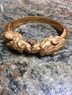 Gold bracelet with antique diamonds