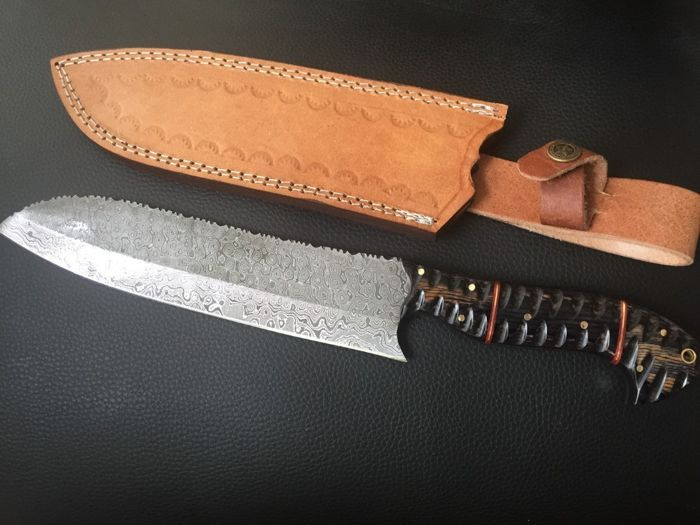 Top quality  handmade of 256 layers of damascus chef knife .razor blade sharp.