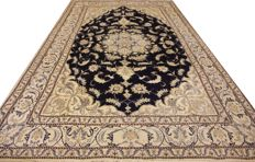 Unica / One-off / elegant Persian carpet Nain 9LA 300cm x 190cm