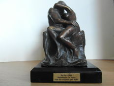 Bronze figurine of the Kiss by Augusto Rodin