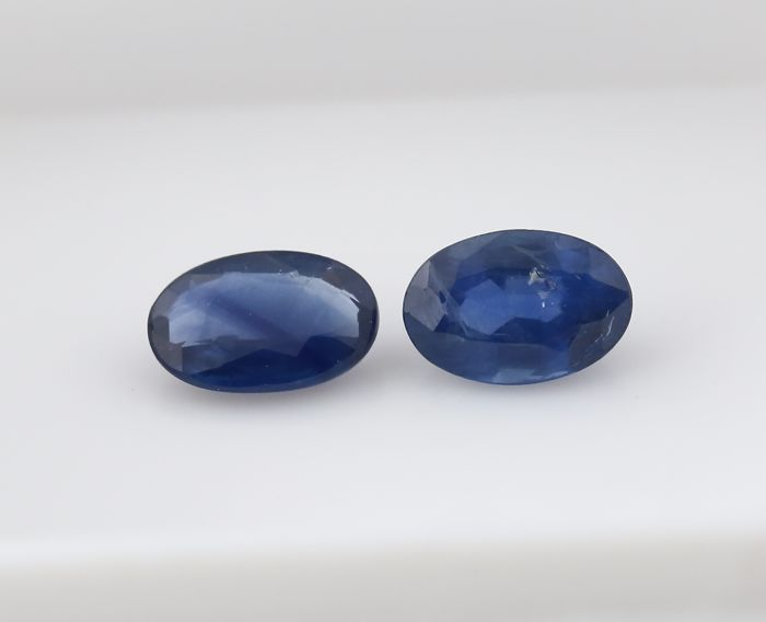 Set of 2 Sapphires -  0.60 + 0.49 = 1.09 ct total - no reserve price