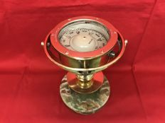 Kelvin & Hughes Ltd - Large antique maritime compass with oscillating body - - Solid brass on marble base - Numbered