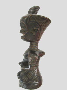 Superb CHOKWE Figurine - Congo