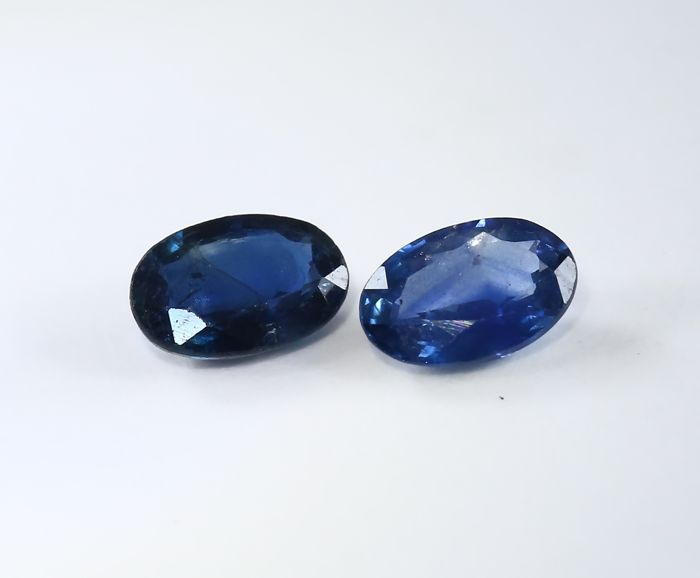 Set of 2 Sapphires -  0.59 + 0.56 = 1.15 ct total - no reserve price