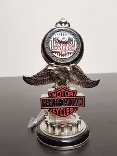 """Harley Davidson """"Low Rider"""" collector's pocket watch on stand - Franklin Mint"""