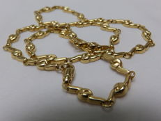 18 kt. Yellow gold necklace with intertwined patterns. 45.5 cm