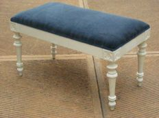 Small lacquered white bench Sitting in new fabric - Italy- ca. 1890